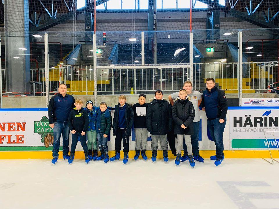 Jugendfeuerwehr Ausflug zur Eishalle